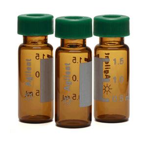 样品瓶套件,螺口,预组装,经认证,棕色样品瓶,绿色瓶盖,PTFE/硅橡胶/PTFE 隔垫,2 mL,100/包。样品瓶规格:12 × 32 mm(12 mm 瓶盖)
