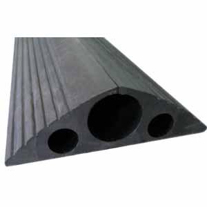 襄辰 橡胶电线保护条.黑色,橡胶,长4000×宽160×高55mm,三孔:1个直径40mm,2个直径15mm