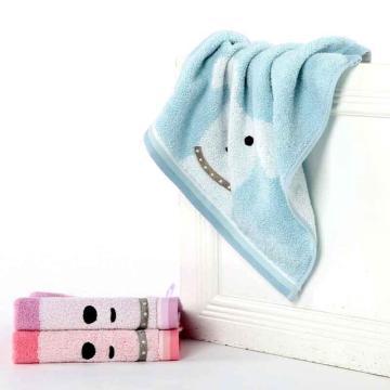 金号纯棉方巾,45g 35*34cm MG6850WH,卡通小狗挂绳童巾 全棉无捻提缎绣方巾