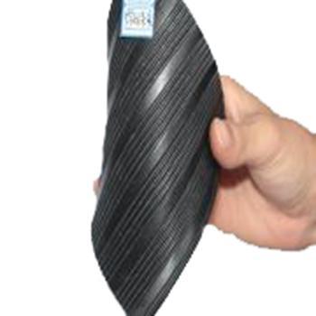 金能絕緣橡膠板,常規條紋防滑 JN-JDF 厚度3mm 寬1m,黑色,5KV,10米/卷,48kg 單位:卷