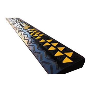 安赛瑞 低位路沿坡,优质原生橡胶,表面覆黄色反光材料,600×300×100mm,11036