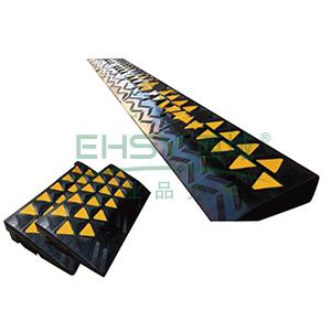 高位路沿坡-优质原生橡胶,表面覆黄色反光材料,600×360×150mm,11037
