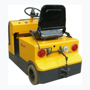 座驾式电动牵引车,载重3T,行驶速度7km/h