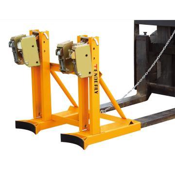 西域推荐 叼扣式叉车专用油桶搬运夹,额定载重(kg):720 适合油桶:钢制油桶或者带厚边塑料桶,DT720B