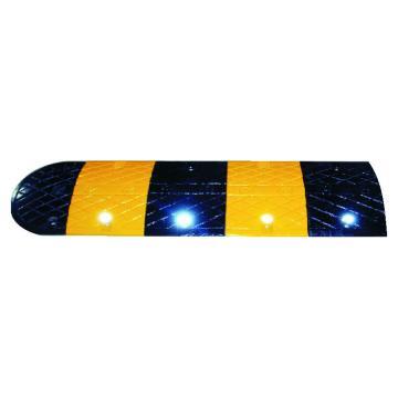 襄辰XC-JS009铸钢烤漆减速带,单块尺寸:长500×宽350×高50mm(不含封头,不含配件)