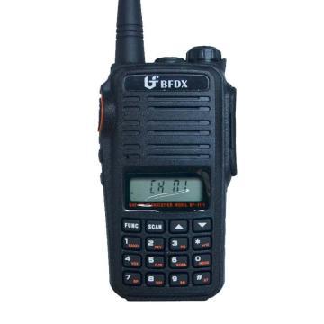 对讲机,监听功能;收音机;LED照明灯;带键盘;锂电池3200mAh,99信道 BF-3111*