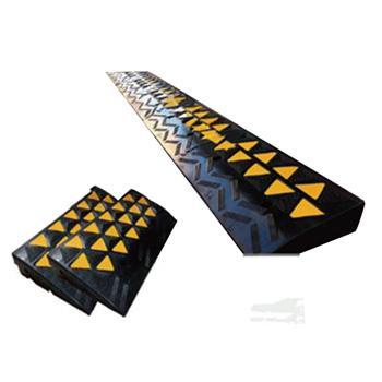 安赛瑞 高位路沿坡,优质原生橡胶,表面覆黄色反光材料,600×360×150mm,11037